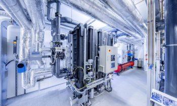 2 LR WinkelmannAbsorptionska.jpg Die Absorptionskältemaschine wird im Sommer vom hauseigenen BHKW mit Wärme versorgt. Bild: L&R