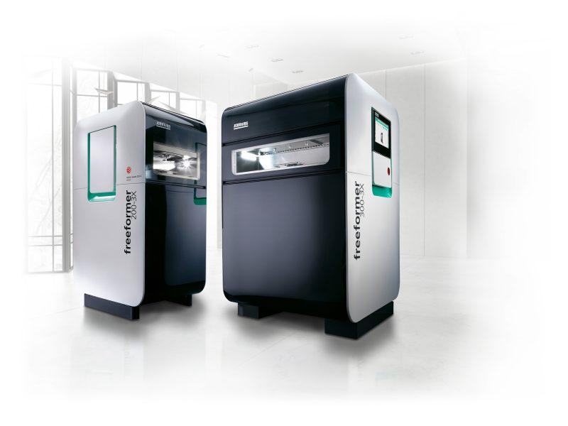 Die Maschinen verarbeiten Kunststoffgranulate, wie sie auch im Spritzgießen eingesetzt werden (Bild: Arburg).