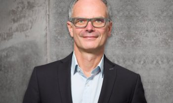 Klaus Kresser leitet seit August 2020 die Schweizer Niederlassung (Bild: Plasmatreat).