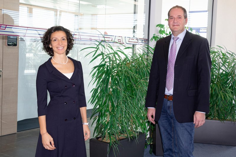 Valentina Faloci und Wolfgang Roth sehen großes Potenzial in der neuen Vertriebsstruktur (Bild: Wittmann Battenfeld).