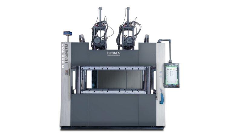 Die Spezialmaschine produziert Dichtungen für Batteriegehäuse und ist mit zwei Spritzeinheiten ausgestattet (Bild: Kloeckner Desma).