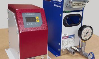 Vergleich neues Druckregelmodul für das Gasinnendruck-Spritzgießen (li.) mit dem bisherigen (re; Bild: Wittmann Battenfeld).