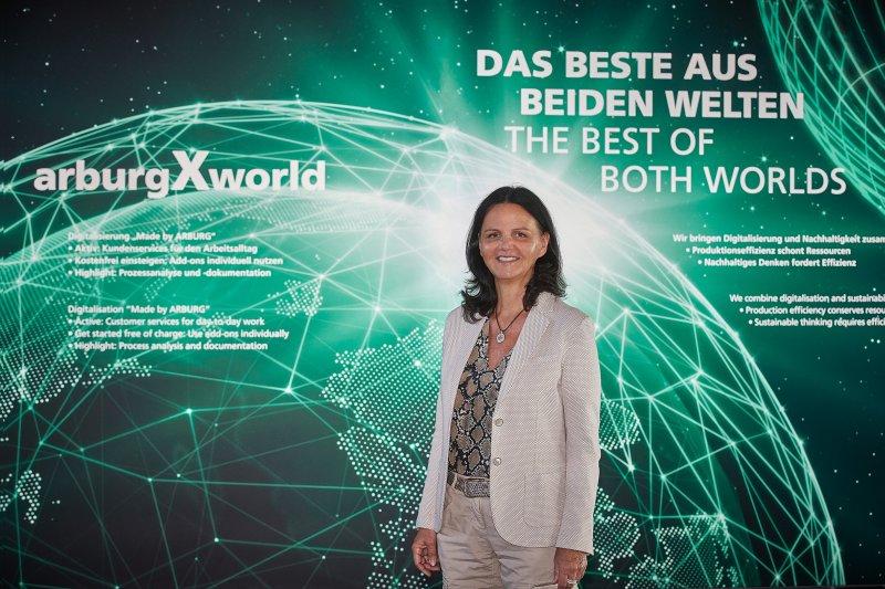Die geschäftsführende Gesellschafterin Juliane Hehl, verantwortlich für den Marketingbereich (Bild: Arburg).