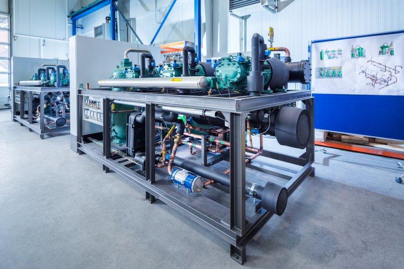Beispiel für eine individuell projektierte »Ecopro 2.0«-Kälteanlage mit dem Kältemittel Propan (Bild: L&R Kältetechnik).